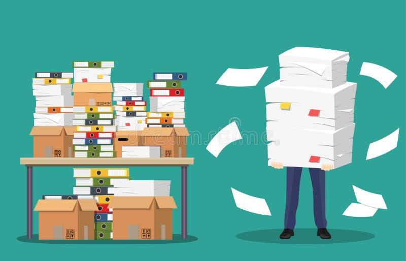 El hombre de negocios sostiene la pila de papeles y de documentos de la oficina stock de ilustración