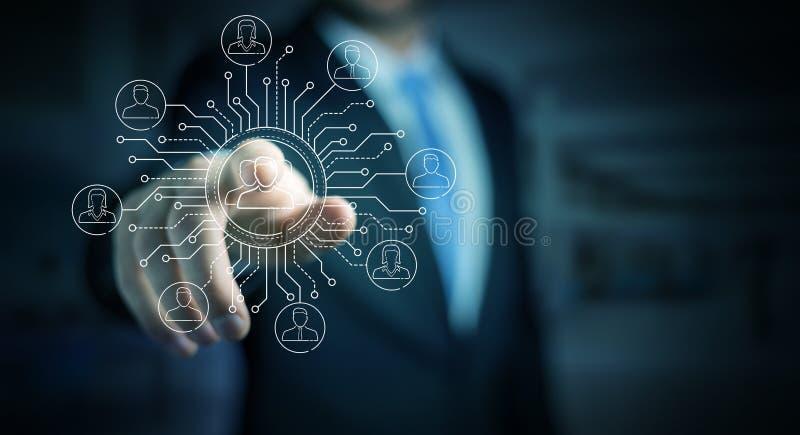 El hombre de negocios usando la línea fina iconos sociales de la red interconecta ilustración del vector