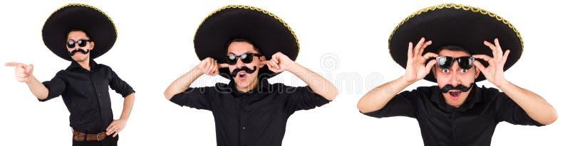 El hombre divertido que lleva el sombrero mexicano del sombrero aislado en blanco foto de archivo libre de regalías
