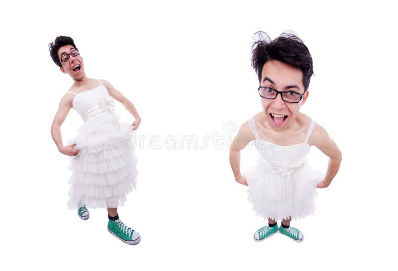 El hombre divertido que lleva en el vestido de la mujer aislado en blanco imagen de archivo libre de regalías