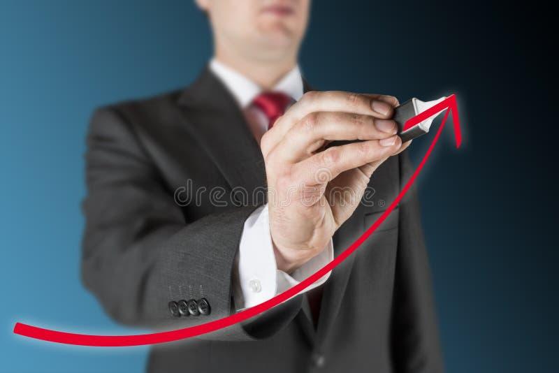 El hombre está drenando el organigrama imagen de archivo