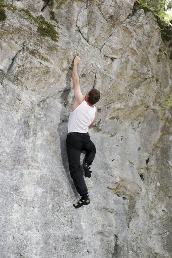 Download El Hombre Está Subiendo Para Arriba Imagen de archivo - Imagen de mudanza, cueva: 41906375