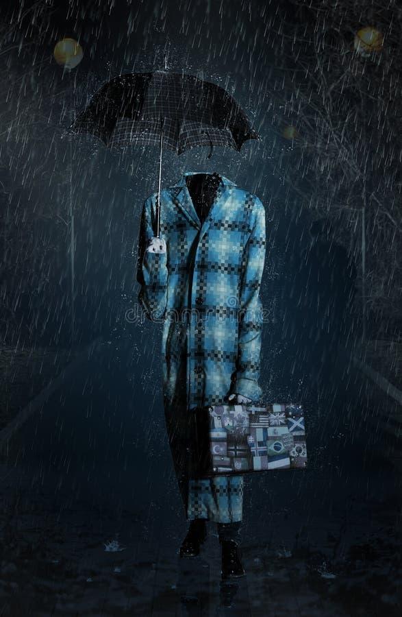 El hombre invisible entra en las fuertes lluvias imágenes de archivo libres de regalías
