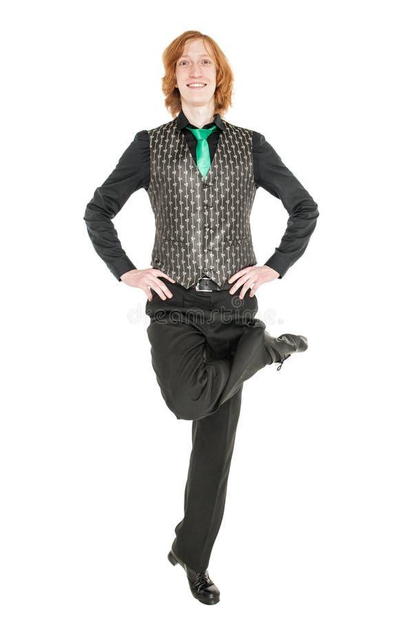 El hombre joven en el traje para el irlandés baila aislado fotos de archivo libres de regalías