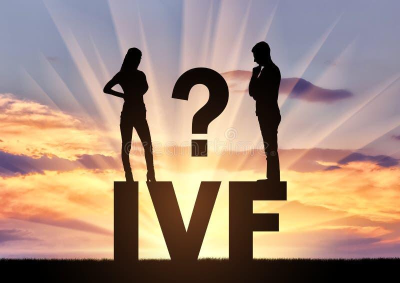 El hombre pensativo y la mujer que se colocan en la palabra IVF piensan en la fertilización in vitro foto de archivo libre de regalías