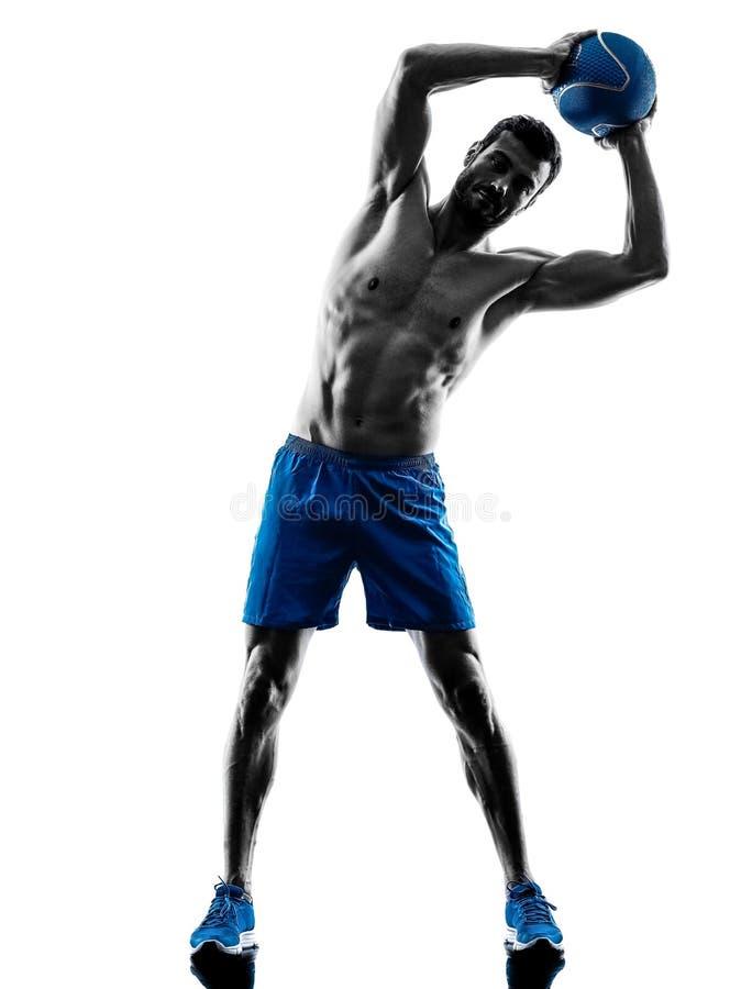 El hombre que ejercita aptitud carga la silueta de los ejercicios imagen de archivo