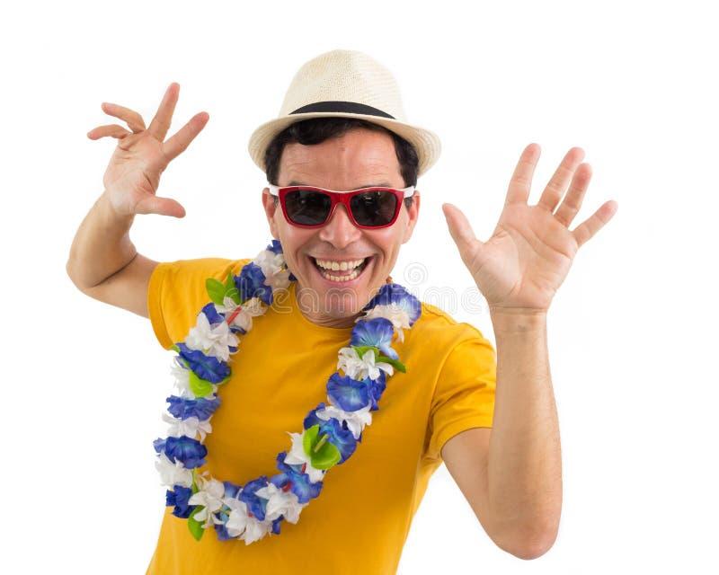 El hombre radiante celebra Hombre que sonríe en el partido Celebrat brasileño imagenes de archivo