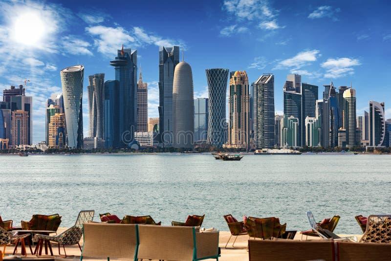 El horizonte de Doha fotos de archivo libres de regalías