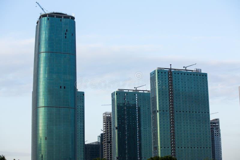 El horizonte de Seattle con los nuevos edificios bajo construcción fotografía de archivo libre de regalías