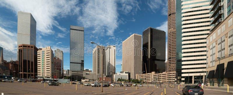 El horizonte emergente de Denver, Colorado imagen de archivo