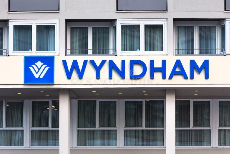 El hotel de Wyndham firma adentro el cologne Alemania fotografía de archivo