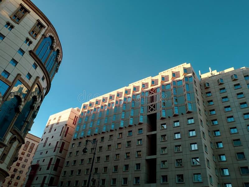 El hotel en Medina cuando es el verano viene imagen de archivo libre de regalías