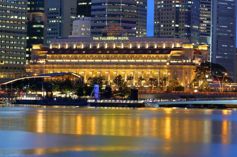 El hotel por la tarde, Singapur de Fullerton imagen de archivo