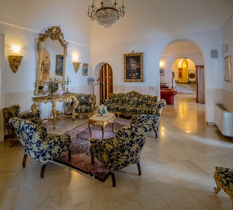 El hotel San Micaela en primavera, en Anacapri en la isla de Capri, Italia imagenes de archivo