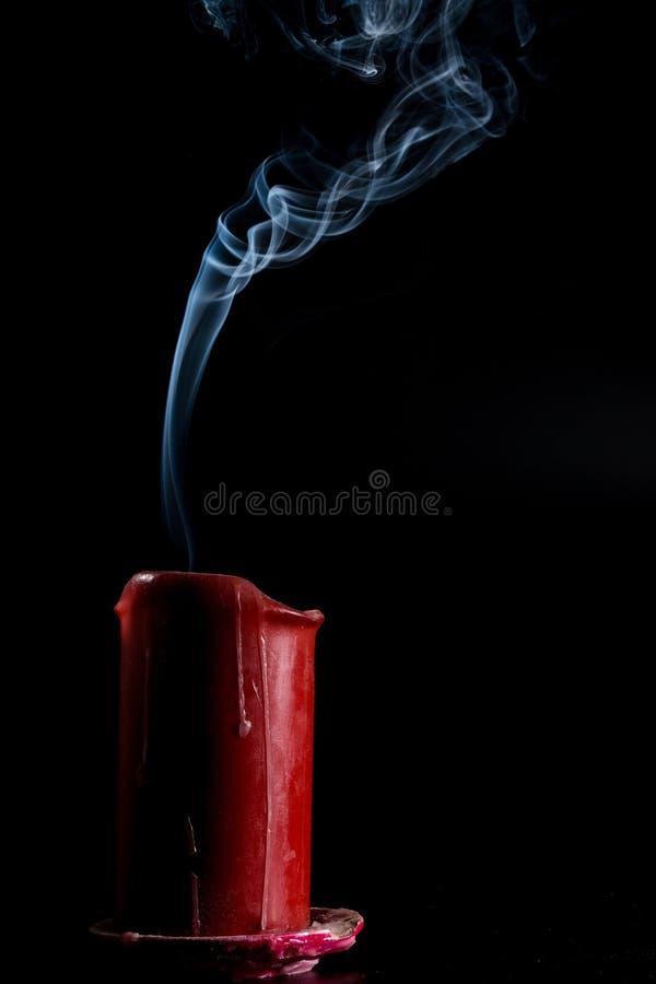 El humo sube imagen de archivo libre de regalías