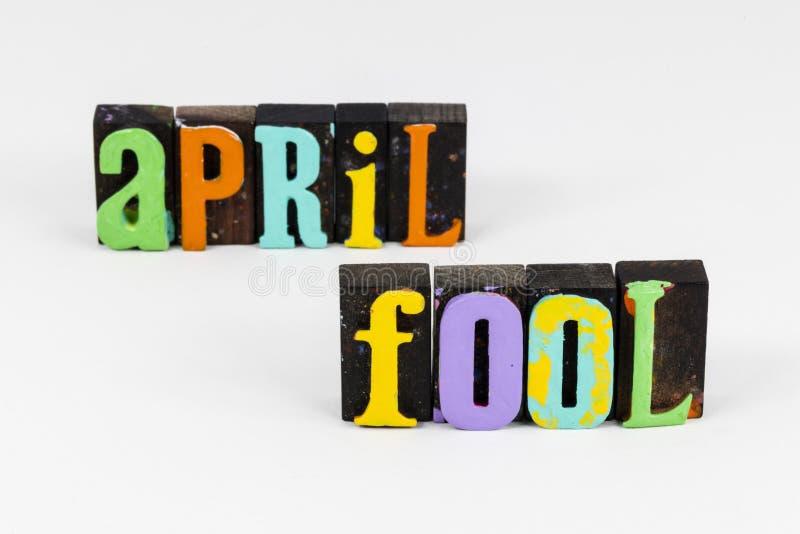 El humor tonto de abril engaña a amigos bromistas y tontos imágenes de archivo libres de regalías
