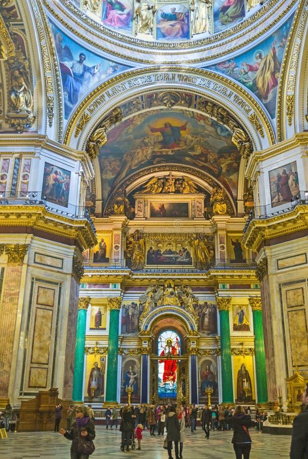 El iconostasio de la catedral del St Isaac imagen de archivo