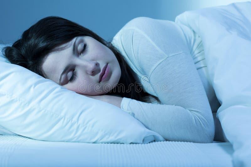 El intentar caer dormido fotografía de archivo libre de regalías