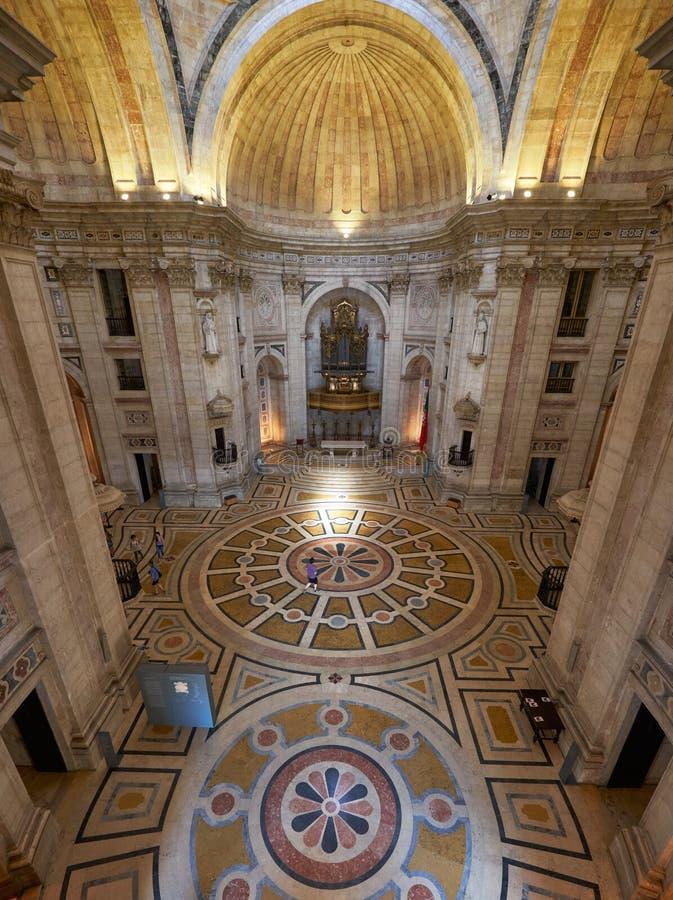 El interior de Engracia de la iglesia del panteón nacional ahora lisboa fotos de archivo libres de regalías