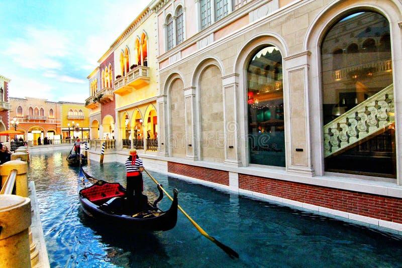 El interior del hotel y del casino venecianos en Las Vegas imagen de archivo
