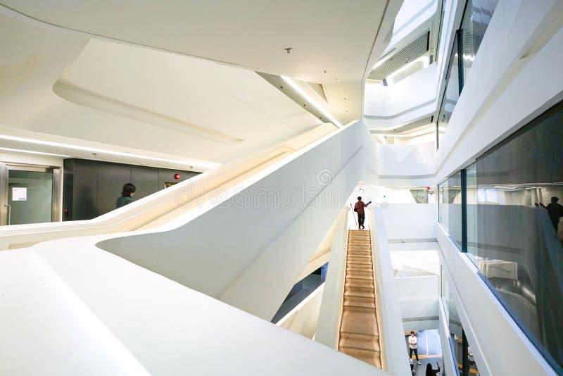 El interior del jinete Club Innovation Tower, Hong Kong imagen de archivo