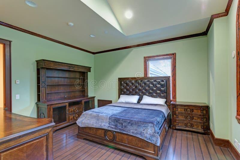 El interior del lugar de la boda ofrece un dormitorio de la menta que da la bienvenida fotografía de archivo libre de regalías