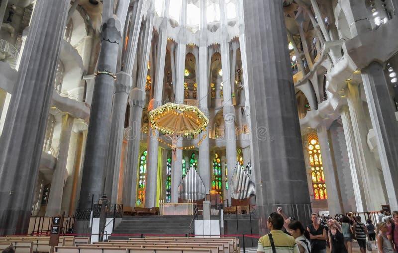 El interior del templo expiatorio de la familia santa Barcelona fotos de archivo libres de regalías