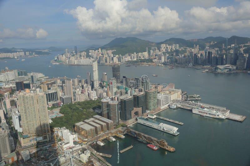 El isaland de Hong-Kong de la opinión de Tsim Sha Tsui en ICC foto de archivo