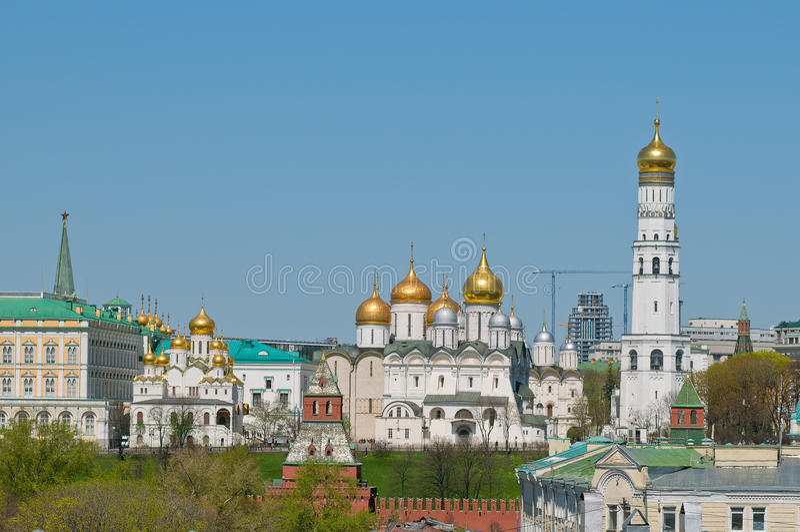 El Ivan el gran campanario, la catedral del arcángel, Kremli foto de archivo