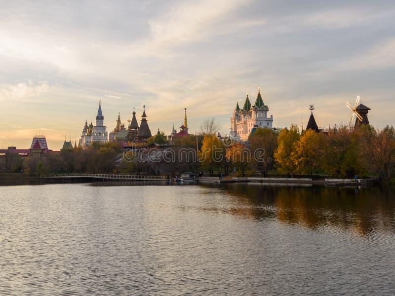 El Izmailovo el Kremlin - ciudad de madera entera, señal de Moscú, Rusia foto de archivo