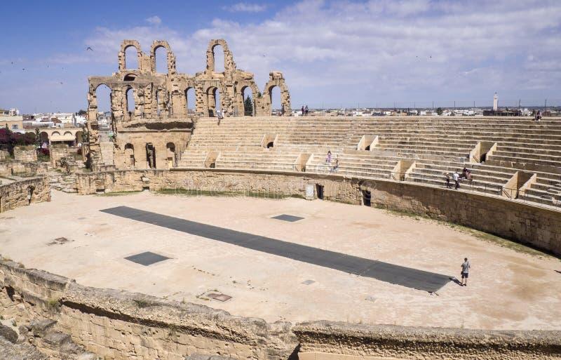 El-Jam, Tunezja - 05/22/2019 - Dobry zakonserwowany amfiteatr rzymski zdjęcia stock