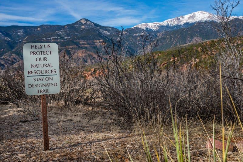 El jardín de Colorado Springs de la muestra del sendero de las montañas rocosas de dioses se aventura fotografía del viaje fotos de archivo