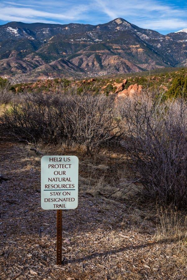 El jardín de Colorado Springs de la muestra del sendero de las montañas rocosas de dioses se aventura fotografía del viaje fotografía de archivo
