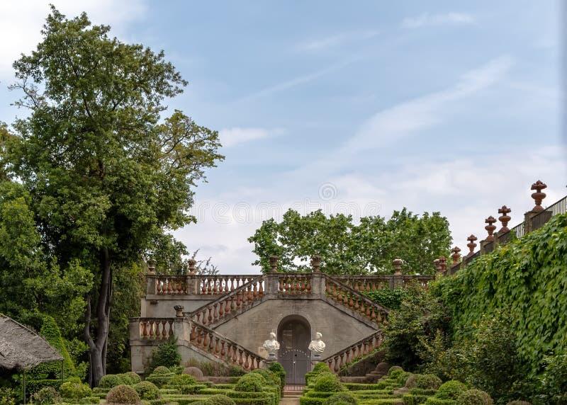 El jardín del Boixos en el parque del laberinto de Horta foto de archivo