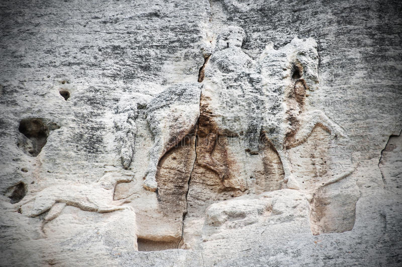 El jinete de Madara es un alivio grande medieval temprano de la roca, Bulgaria, sitio del patrimonio mundial de la UNESCO Konnik  imagenes de archivo