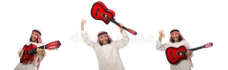 El jugar árabe del hombre aislado en blanco foto de archivo libre de regalías