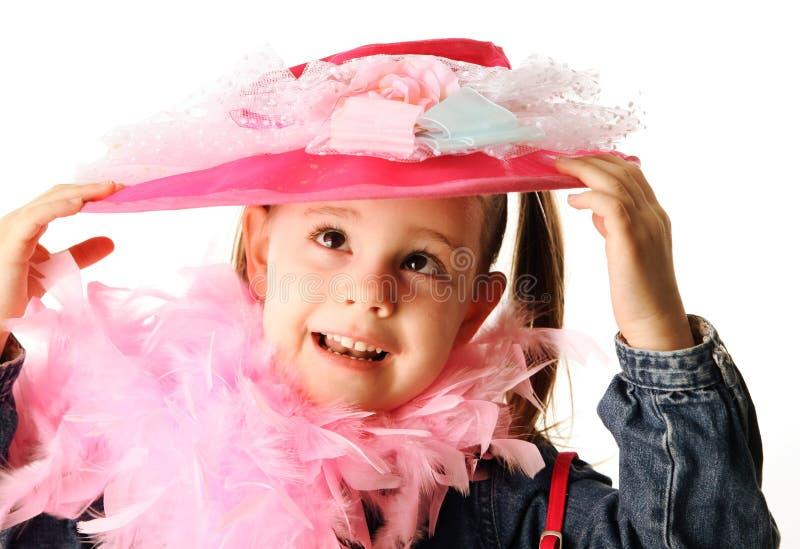 El jugar preescolar divertido de la muchacha se viste para arriba imágenes de archivo libres de regalías