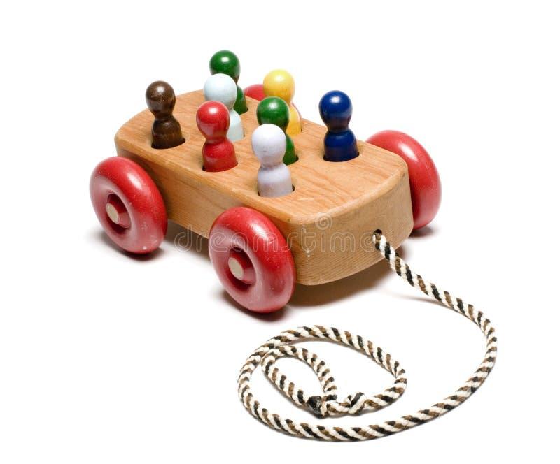El juguete de los niños de madera hechos a mano del tren fotografía de archivo