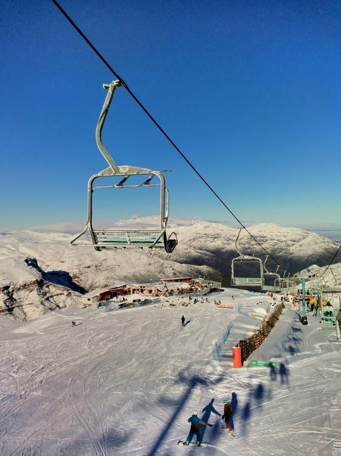 El Kolorado ośrodek narciarski blisko Santiago zdjęcia stock