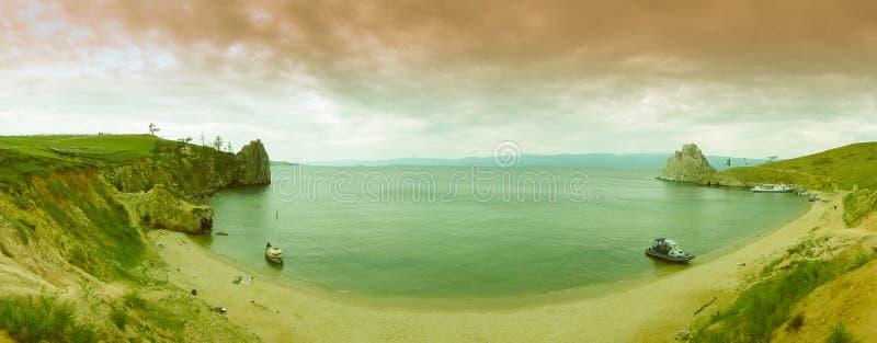 El lago Baikal, bahía de la isla de Olkhon imagen de archivo libre de regalías