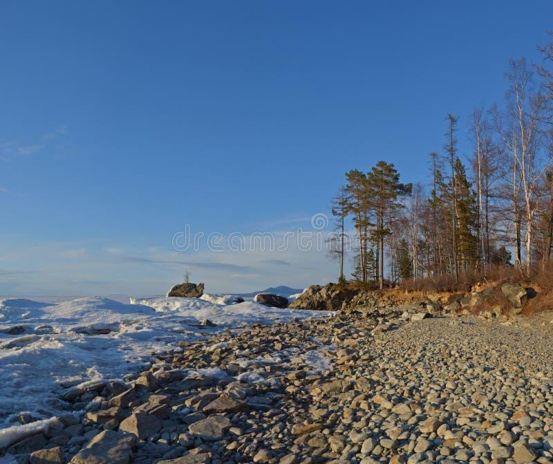 El lago Baikal, Siberia del este, Rusia, invierno 2 imagen de archivo