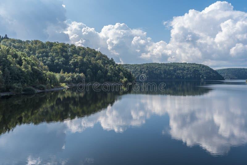 El lago dam de Rappbode en Harz, Alemania imagenes de archivo