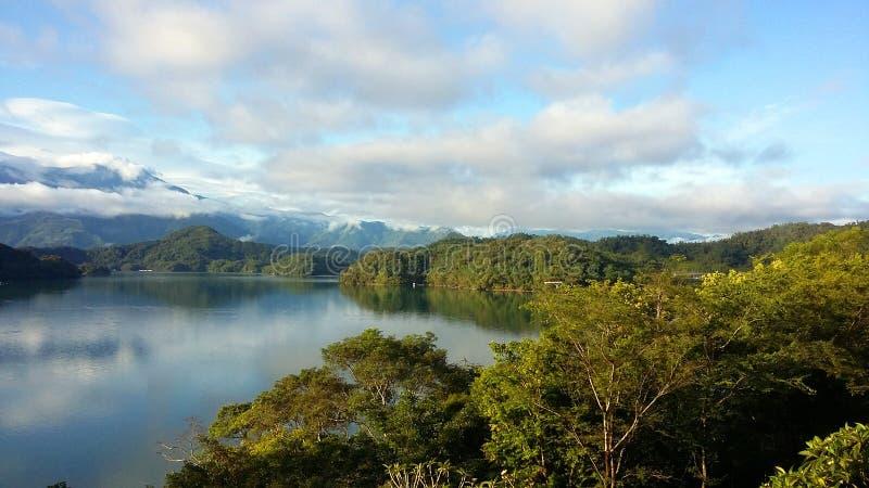 El lago de la isla de Formosa en el top de la montaña foto de archivo libre de regalías