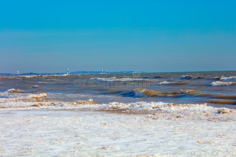 El lago Michigan en el invierno imagenes de archivo