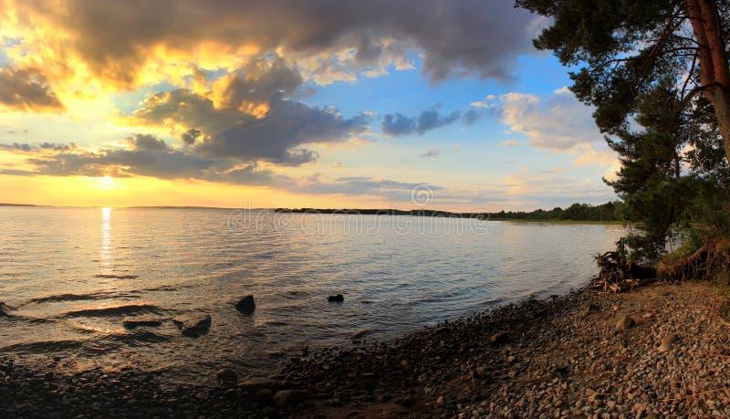El lago Onega, Karelia, Rusia foto de archivo