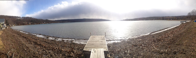 El lago Ontario - panorámico foto de archivo