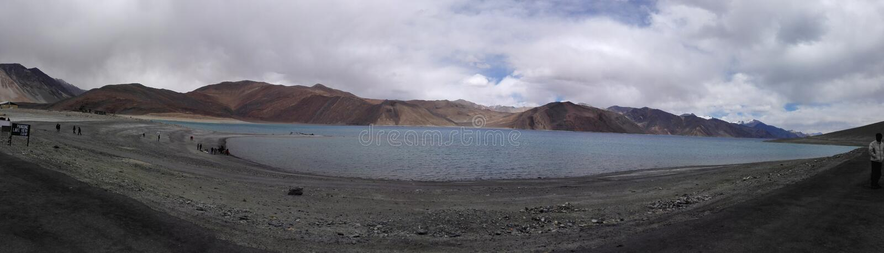 El lago Pangong imagen de archivo