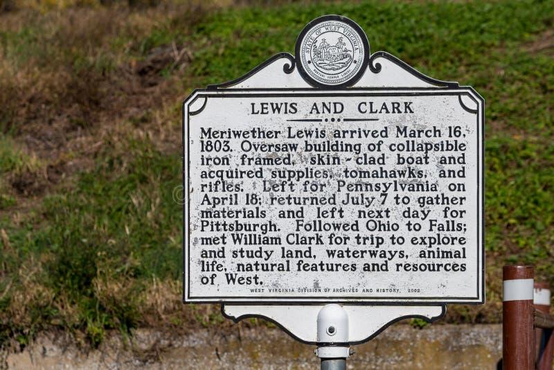 El Lewis y Clark Historic Marker imagenes de archivo