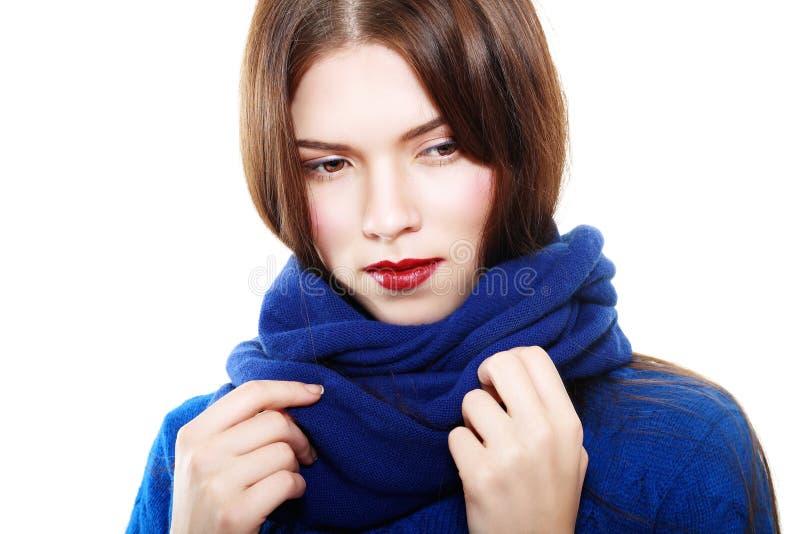 El llevar de la mujer de lana imagenes de archivo