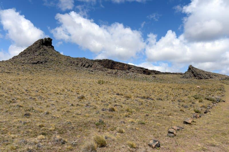 El lugar habitado por las tribus indias antiguas en el parque nacional Pali Aike fotos de archivo